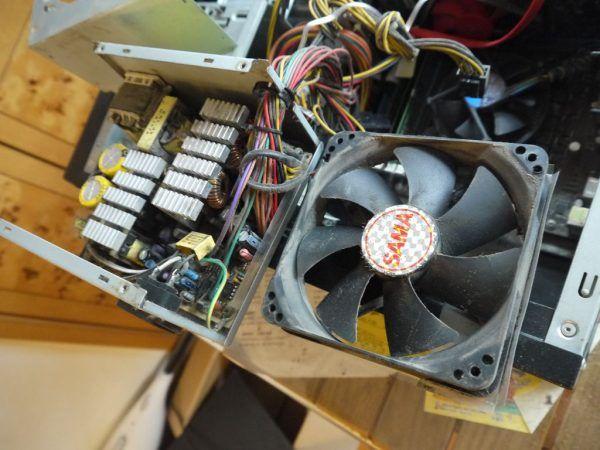 更换台式机开关电源风扇